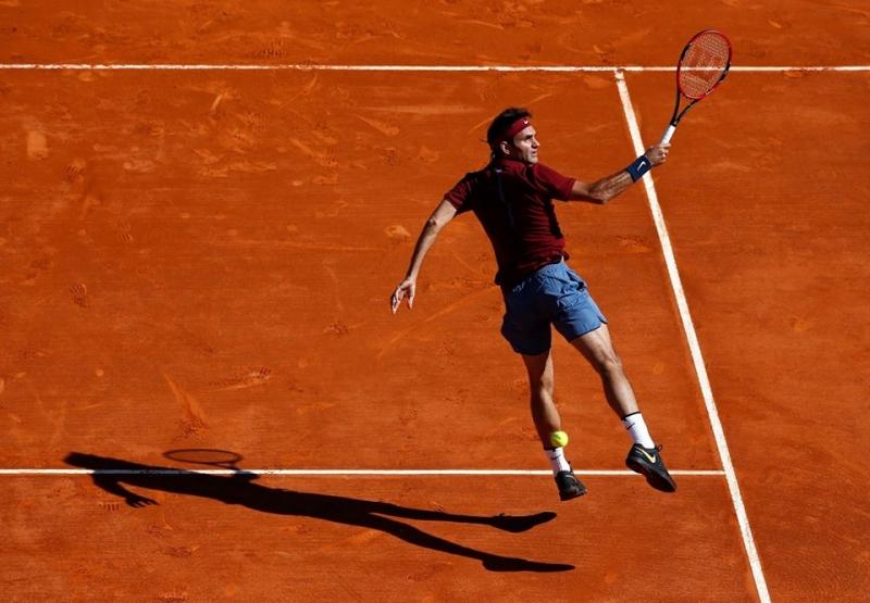 Федерер си осигури мач с Тийм