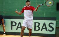 Лазов с бърза победа на старта в Скопие