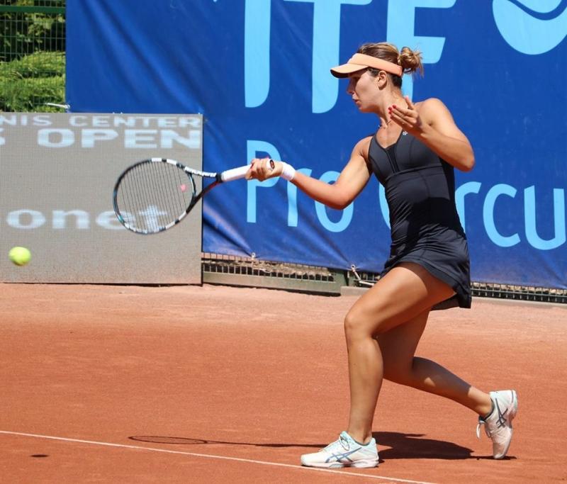 Елица Костова отпадна след 3 сета