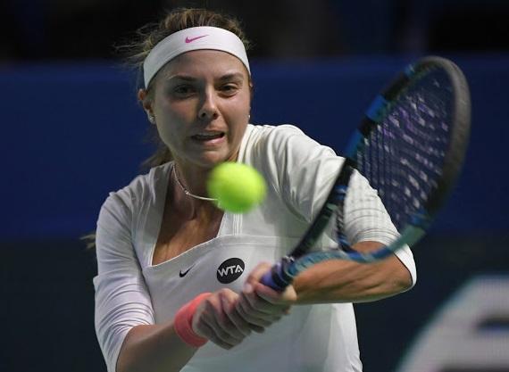 Томова започна с победа в Москва