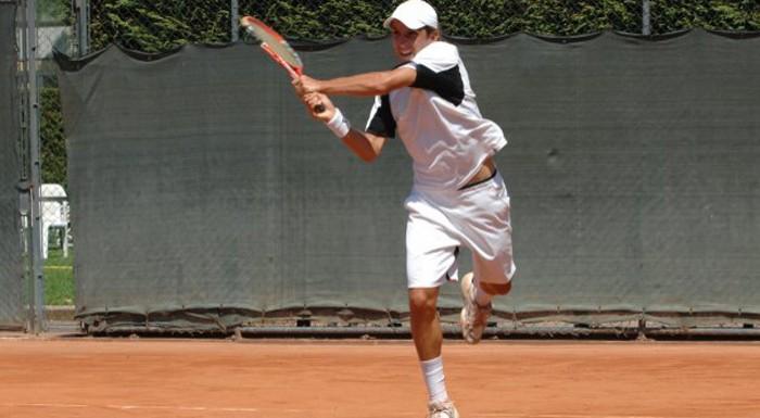 Васко Младенов печели на двойки