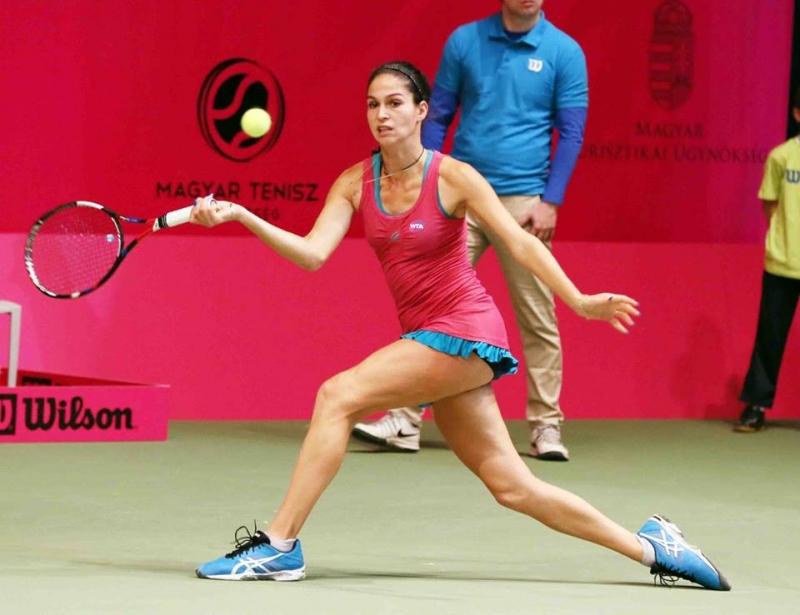 Шиникова стигна четвъртфинал в Тунис