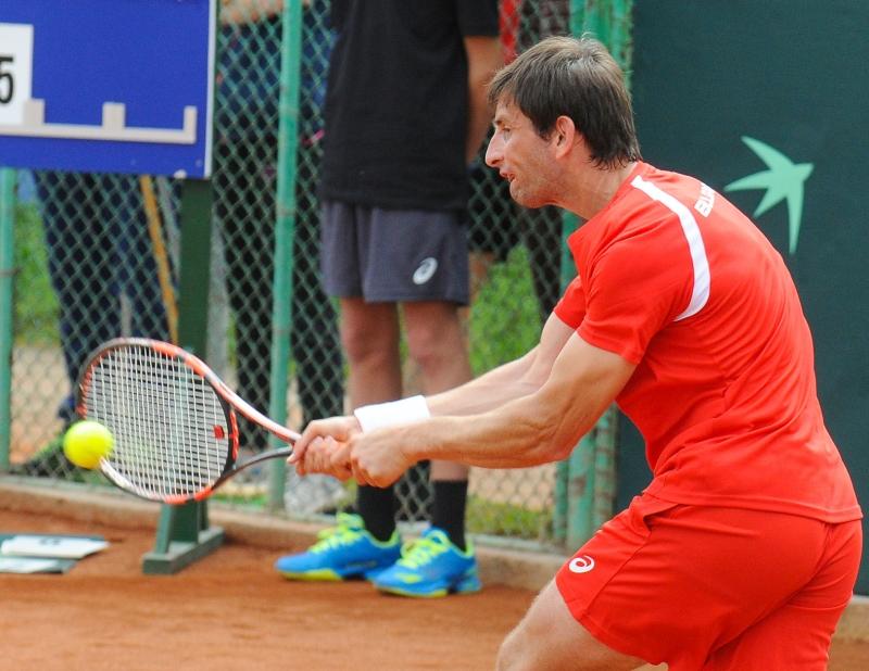Лазов достигна до полуфиналите в Неапол