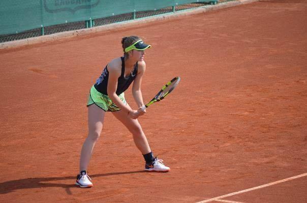 Гергана Топалова загря за Ролан Гарос с финал на държавното