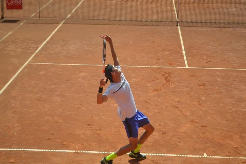 Лазаров срещу италианец в спор за място на полуфиналите