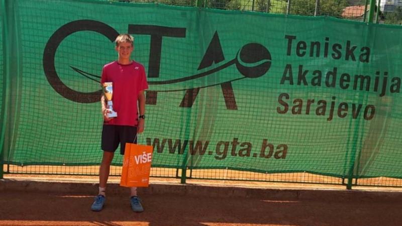Нестеров е шампион в Сараево