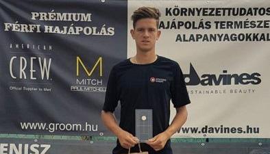 Симон-Антони Иванов триумфира с титлата в Унгария