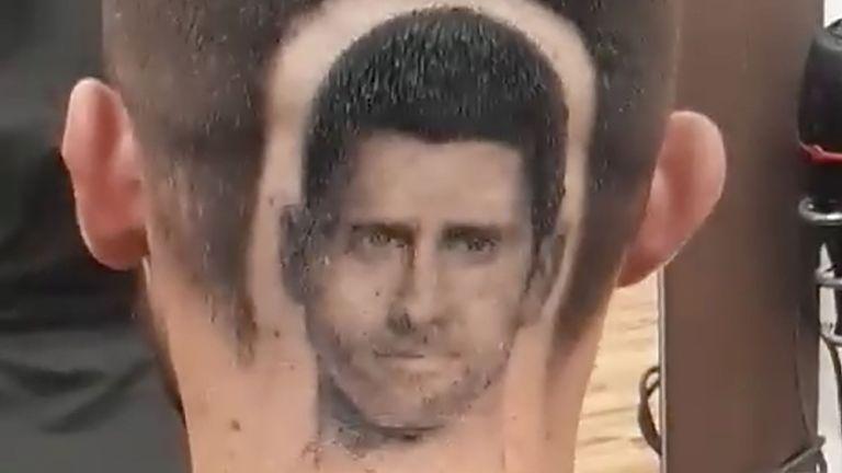 Фен подстрига на главата си лика на Джокович