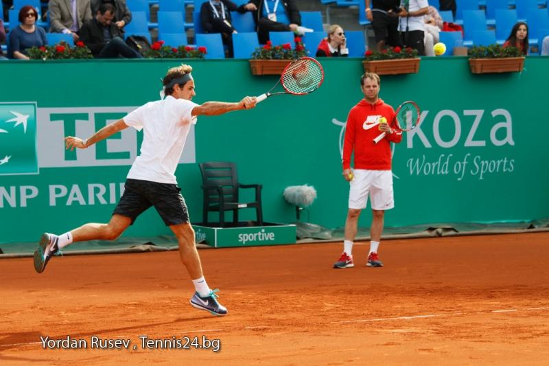Федерер ще играе на клей през новия сезон