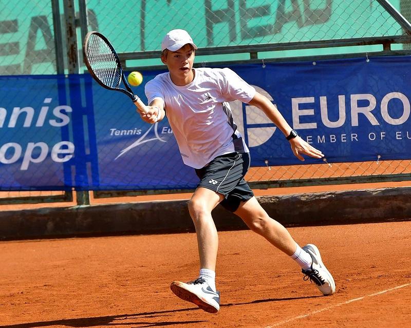 Пьотр Нестеров е номер едно в Европа за годината