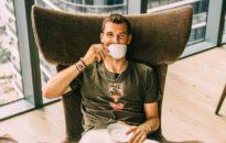 Григор Димитров кани на чаша чай (снимка)