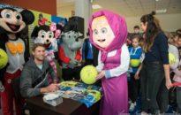 Продават топки с автографи на тенис звезди в подкрепа на болно дете