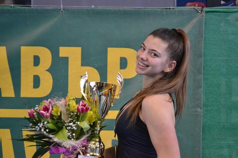 Дария Радулова започна с успех в Румъния