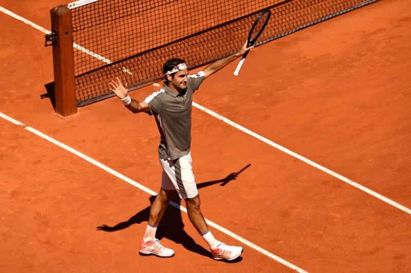 Федерер на четвъртфинал след нова лекция