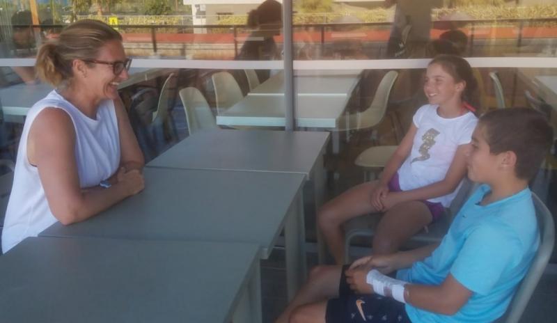 Легендарна френска тенисистка се срещна с наши национали