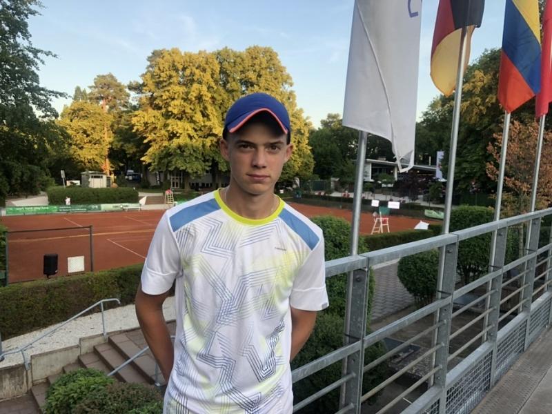 Нестеров и Пенев започнаха с победи в Украйна