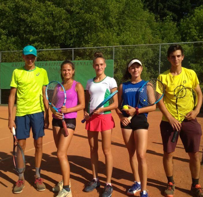 Три българки са четвъртфиналистки на турнир от ITF в Гърция