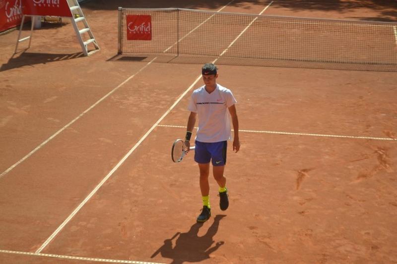 Александър Лазаров на два полуфинала в Румъния