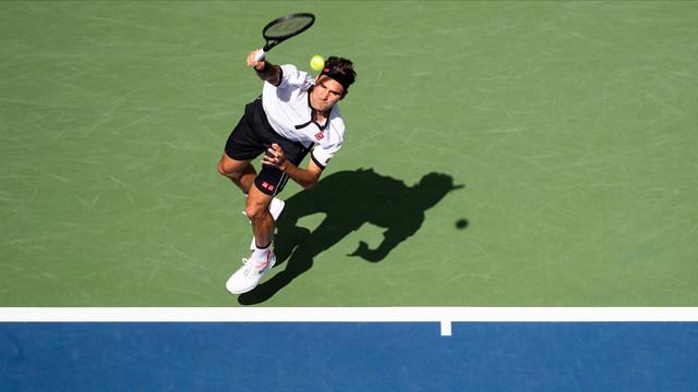 Федерер смачка Гофен и изравни рекорд на Агаси