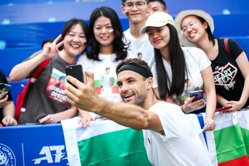 Григор Димитров подлуди феновете си в Китай (снимки)