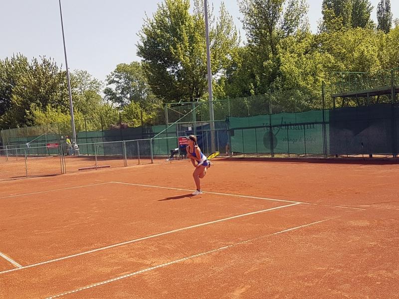 Гергана Топалова загуби само три гейма на старта в Анталия